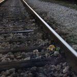 Патнички воз удри во автомобил во Скопје