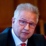 ЕП го одби предлогот Унгарецот Трочањи да биде нов комесар за проширување