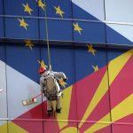 Европарламентарците го осудија неуспехот да им се даде зелено светло на Скопје и Тирана