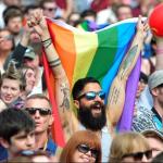Во Северна Ирска легализирани абортусот и истополовите бракови