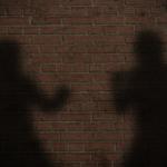 Наставник и ученик се степале во училиште во Ченто