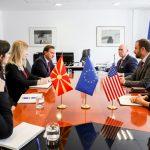 Поповски со претставници на ИРИ: Борбата со лажните вести мора да продолжи и по изборите