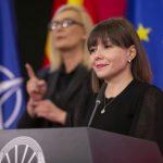 Царовска: Субвенции за придонеси на вработените и бескаматни кредити за справување на бизнисот со последиците од КОВИД-19