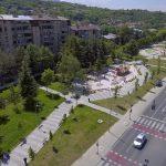 Разбојник со пиштол ограбил жена во зграда во Карпош