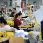 Хелсиншки и Гласен текстилец бараат фабриките да не работат за време на полицискиот час