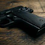 Обвинение против скопјанец кој дома чувал нелегален пиштол со отстранет сериски број