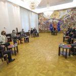 Пендаровски на средба со новите амбасадори пред нивно заминување на должностите