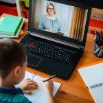 Истражување на УНИЦЕФ: 80% од родителите високо ја оценија онлајн наставата