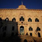 Европската комисија бара Малта да ги отвори границите и за невакцинирани патници